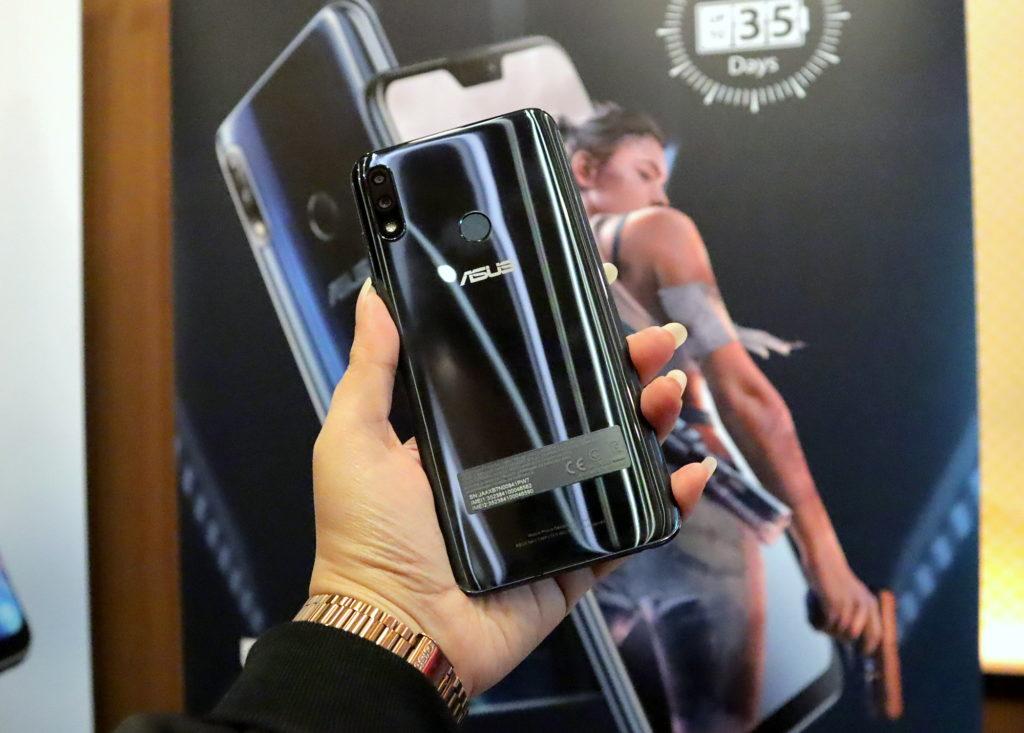 Asus ZenFone Max Pro M2 in Cosmic Blue